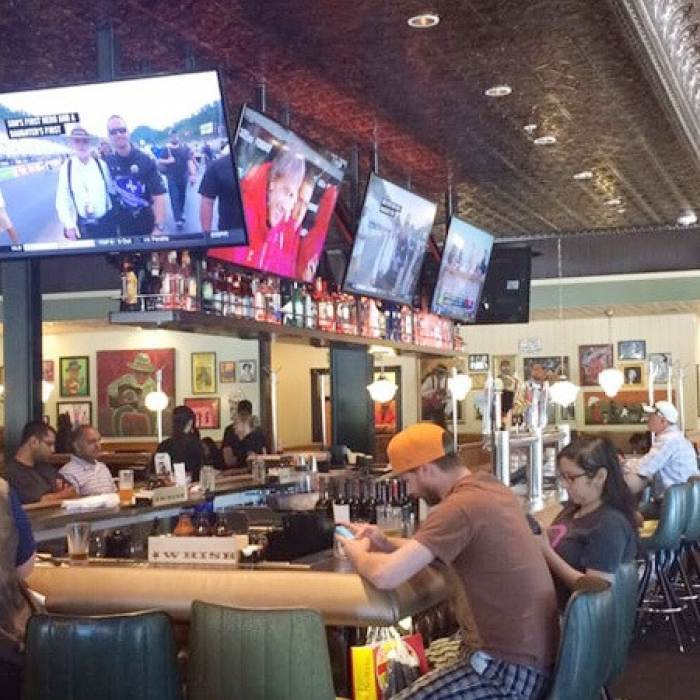sports bar with tv's